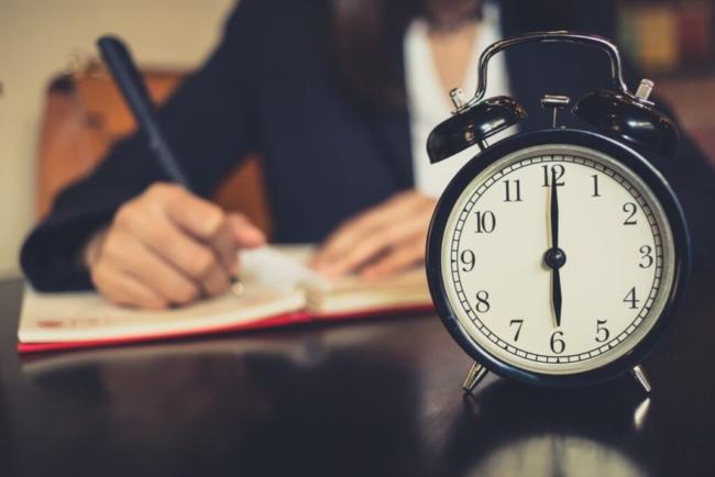 Sindilegis alerta para possível perda salarial em relação às horas extras